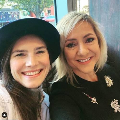 """Amanda Knox e Lorena Bobbit: """"Siamo amiche, unite dal trauma"""""""