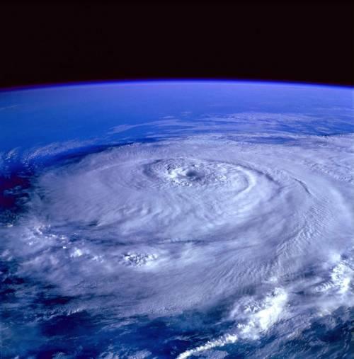 """L'esperto: """"Sempre più cicloni, siamo come i Tropici"""""""