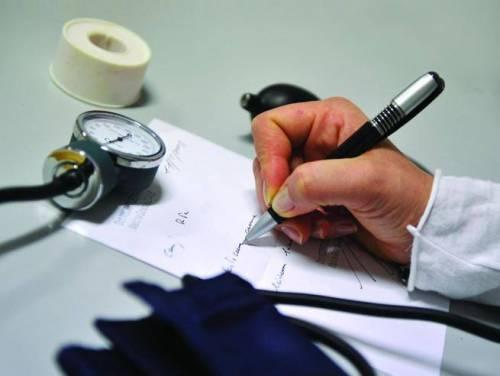 I medici di famiglia chiudono gli studi: ricette solo via mail