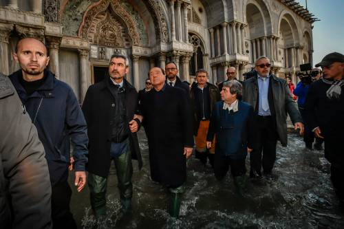 Acqua alta a Venezia, arriva Berlusconi 2