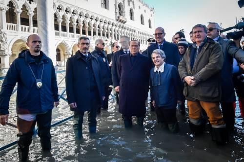 Acqua alta a Venezia, arriva Berlusconi 7