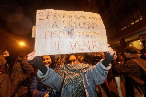 A Bologna sfilano gli antagonisti di Salvini 11