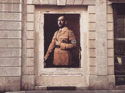 Vignette, fantocci, murales. Ecco l'odio verso Salvini 4