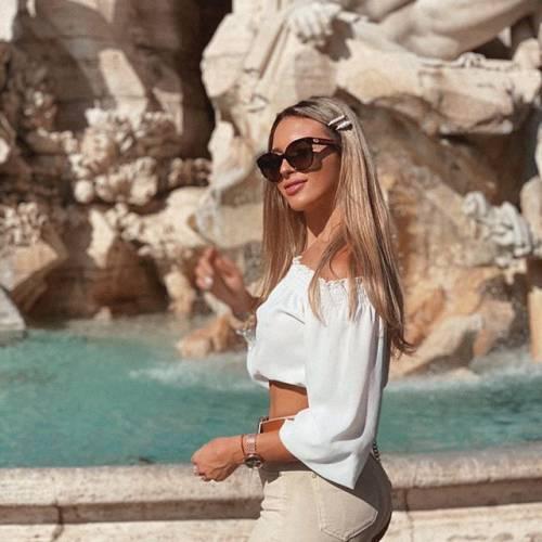 Agustina Gandolfo sexy su Instagram 3