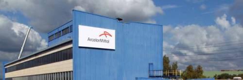 Ex Ilva, ArcelorMittal sospende lo spegnimento degli altiforni