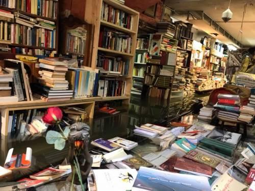 Ancora allagata la libreria Acqua Alta di Venezia