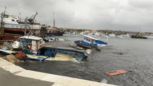"""Il gasolio dei barconi in mare: """"Disastro per tutta Lampedusa"""""""