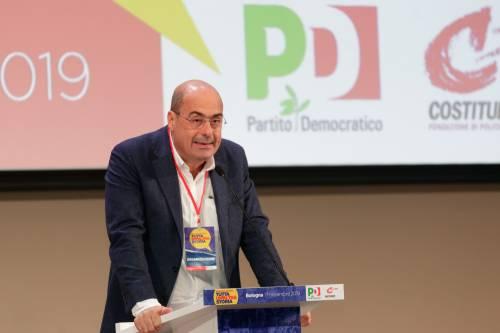 Zingaretti sotto assedio vuol cambiare nome al Pd prima di essere cacciato