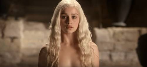 """Emilia Clarke: """"Durante Il Trono di Spade non volevo deludere gli altri e me stessa"""""""