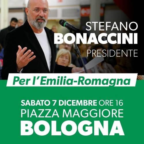 Bonaccini si vergogna del Pd: eliminato il simbolo dei dem dai poster