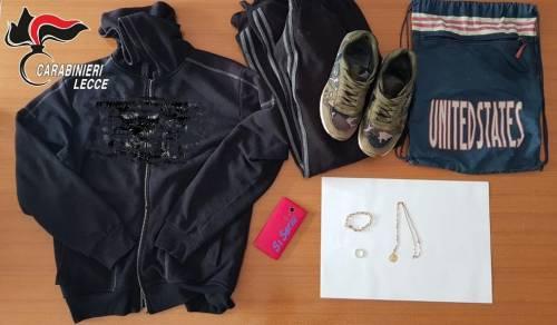 Nel Leccese, ladro in azione per rubare le offerte e una collana di oro 3
