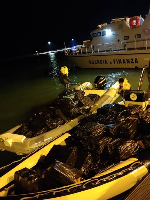 Maxi operazione della Gdf di Palermo, sequestrate quasi 7 tonnellate di sigarette da contrabbando