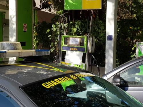 Contrabbando di gasolio, sequestrato un distributore e un furgone