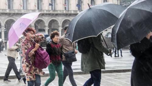 Maltempo, scuole chiuse a Roma e allerta neve a Milano