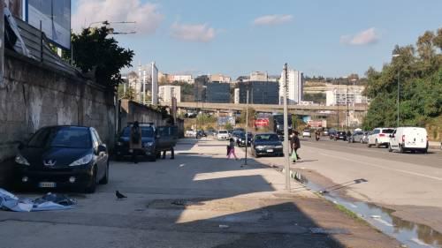 Napoli, l'accampamento dei rom nell'ex mercato ortofrutticolo 4
