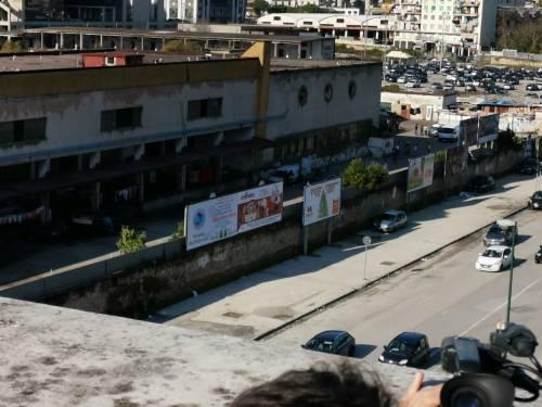 Napoli, l'accampamento dei rom nell'ex mercato ortofrutticolo 6