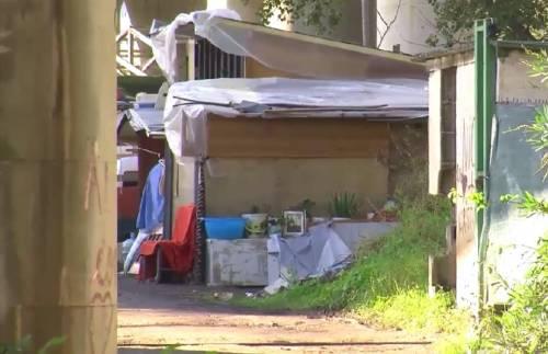 Neonata morta nel campo rom: genitori indagati per maltrattamenti