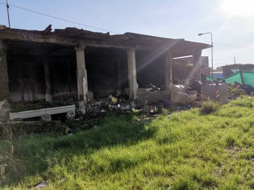 Napoli, il nuovo campo rom abusivo a Poggioreale 6