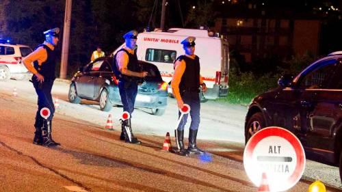 Colpito in auto con tre colpi di pistola: omicidio di camorra a Miano