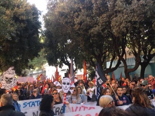Taranto, il quarto sciopero per il clima nella città dell'acciaio 10