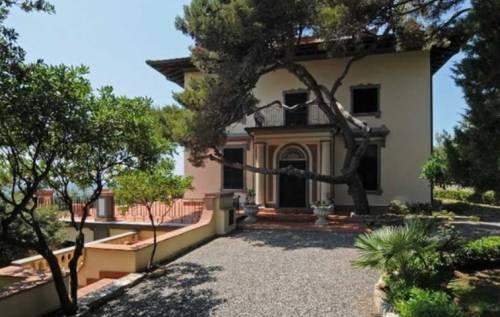 In vendita la villa appartenuta ad Alberto Sordi