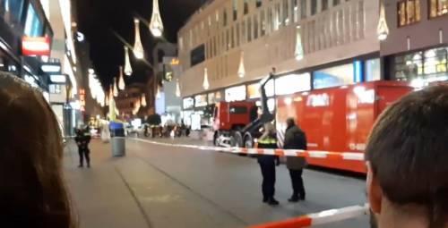Attacco anche in Olanda: tre persone accoltellate