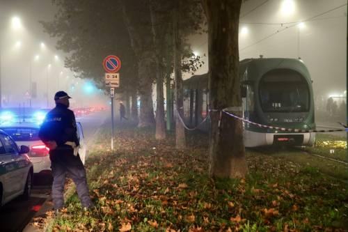 Milano, investito dal tram: è morto un 45enne