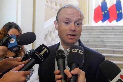 Ora il Papa incontra Muscat, ma a Malta è polemica