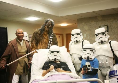 """""""Fatemi vedere Star Wars"""": esaudito l'ultimo desiderio di un malato"""