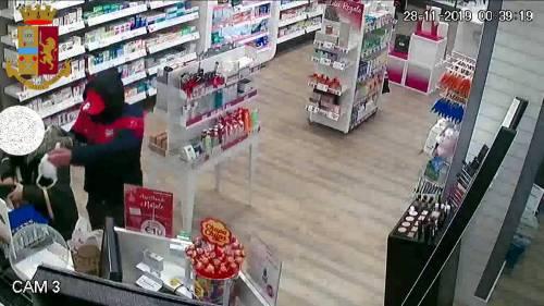 Un rapinatore seriale di farmacie è stato arrestato a Milano, era stato scarcerato lo scorso agosto 2