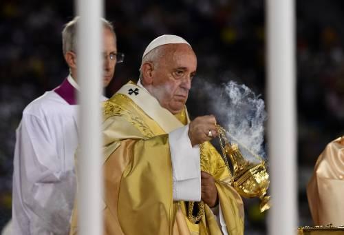 Abusi, Papa Francesco abolisce il segreto pontificio