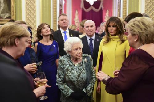 Regina Elisabetta II, le foto del banchetto Nato 8