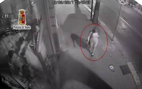 Si finse tassista per derubare e violentare una turista: condannato a 10 anni
