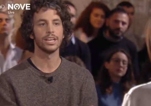 """La sardina Santori contro Renzi: """"Si è staccato dalla realtà"""""""