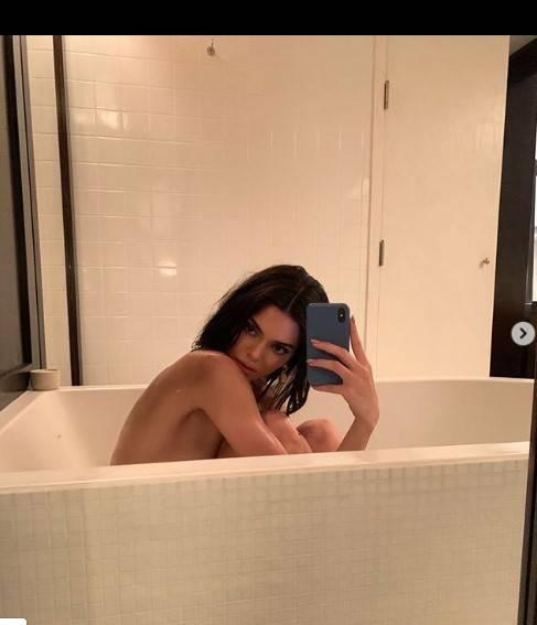 Kendall Jenner e Bella Hadid, le foto sexy