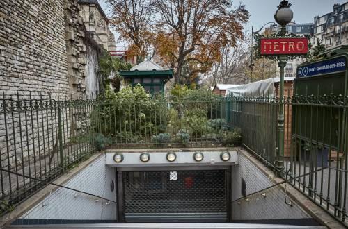 Sciopero in tutta la Francia contro la riforma delle pensioni nel programma di Macron 2