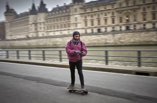 Sciopero in tutta la Francia contro la riforma delle pensioni nel programma di Macron 6