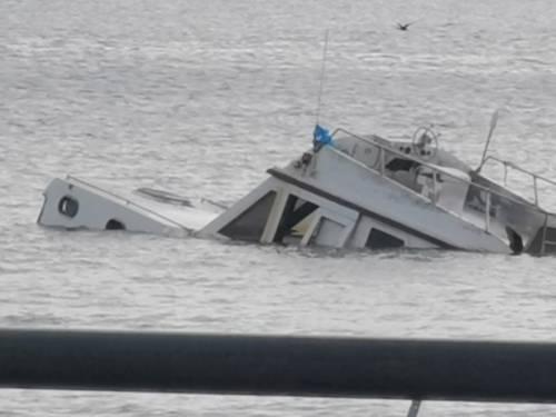 Natante affondato Napoli 3