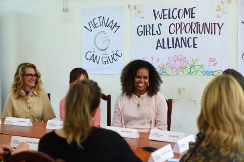 Michelle Obama e Julia Roberts in Vietnam