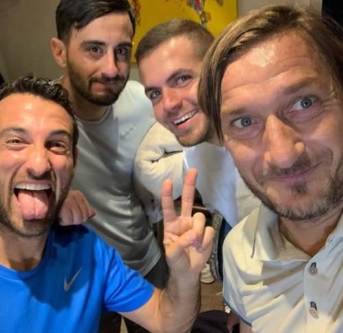Francesco Totti e Ilary Blasi, le foto più belle 3