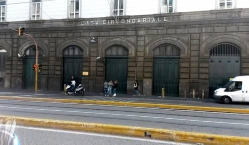 L'ex carcerato Ioia garante dei detenuti: la protesta dei sindacati contro il sindaco De Magistris