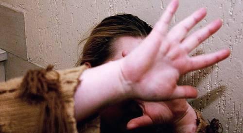 Catania, fratture e lesioni a madre e figlia: arrestato l'ex compagno