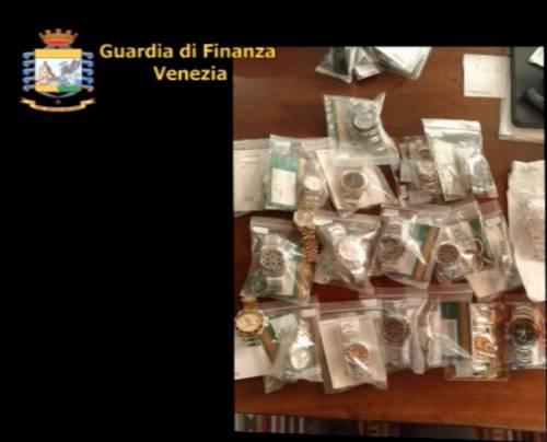 Maxi frode doganale di orologi di lusso: 4 arresti