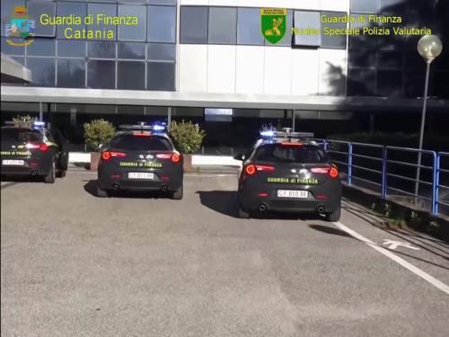 Bancarotta fraudolenta in Banca Base, due arresti e diciotto indagati