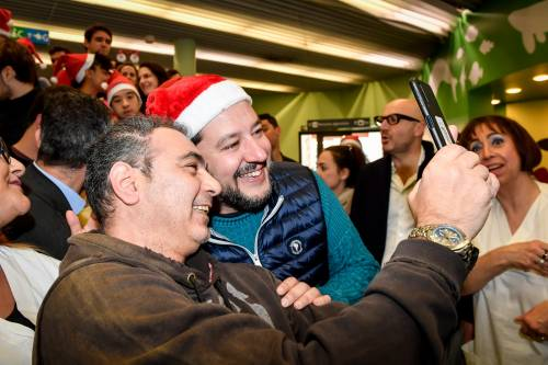 Matteo Salvini in visita all'ospedale dei bambini  4