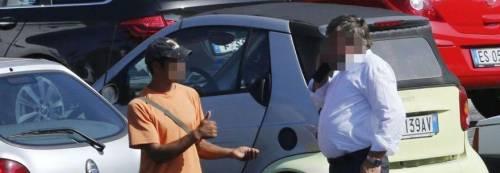 Gli affari d'oro dei parcheggiatori abusivi: a Natale incasseranno 6 milioni di euro