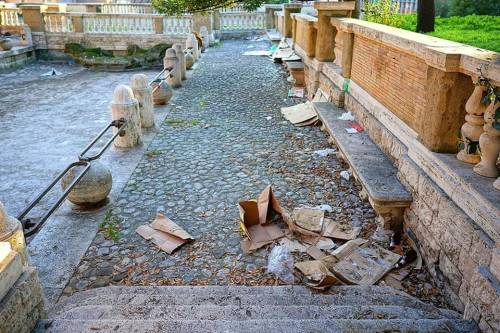 Colle Oppio, degrado e favelas nel parco archeologico 4