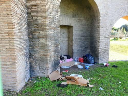 Colle Oppio, degrado e favelas nel parco archeologico 7