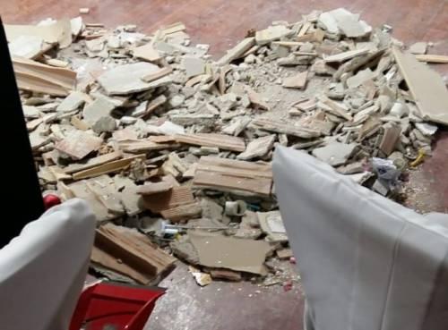 Bari, crolla il controsoffitto durante il veglione: quattro i feriti