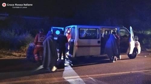Lecce, i migranti appena soccorsi dalla croce rossa 3
